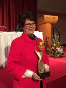 Ellen Foley accepts the 2015 Athena Award in Madison, Wi.